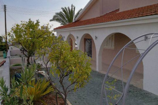 House for rent in Korfi Village