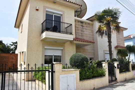 Semi-detached house for sale in Limassol