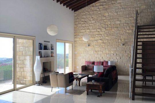 Majestic villa with stunning sea view in Pareklisia