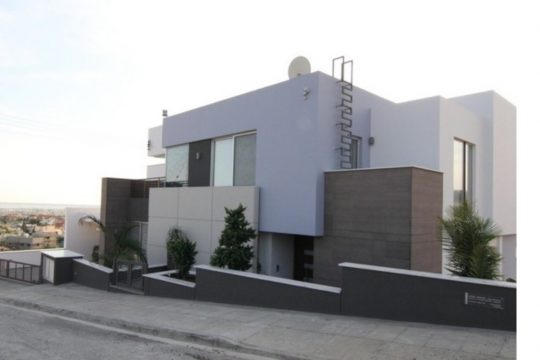 Modern 5 Bedroom Villa in Agios Athanasios