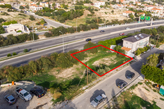Plot in Germasogeia close to roundabout