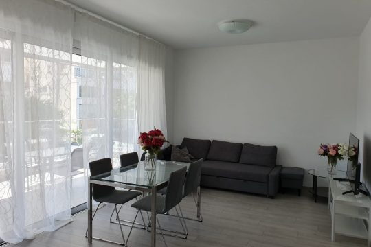 2 bedroom apartment near Makarios Avenue for long term rent
