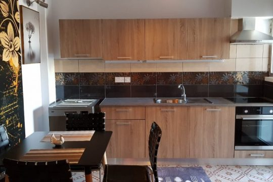 3 Bedroom  Renovated Apartment in Neapolis