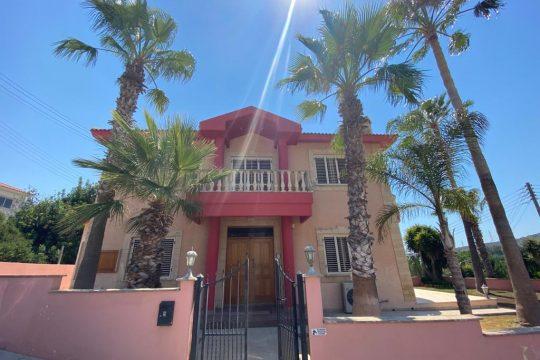 Spacious4 bedroom Villa in Pyrgos, Limassol (Resale)