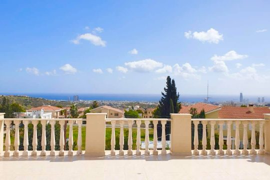 4+1 bedroom house in Agios Athanasios with beautiful sea view
