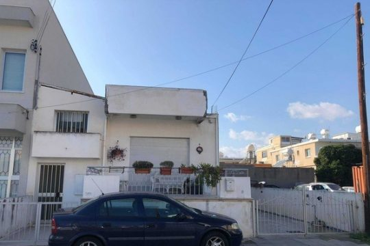3 Bedroom semi-detached house for sale in Omonias