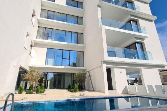 FOR RENT 3 BEDROOM APARTMENT IN LIMASSOL