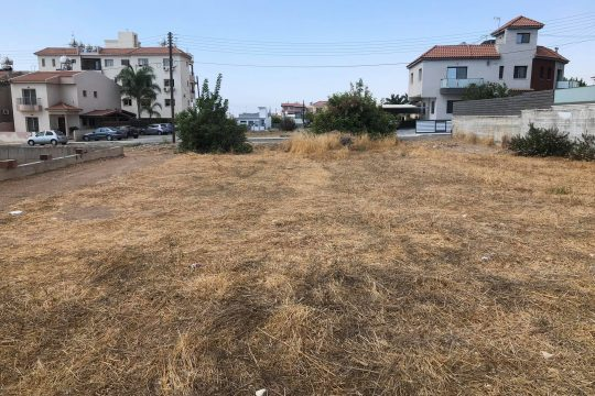 Plot (670 sq. m.) for sale in a quiet residential close to the center of Ypsonas village
