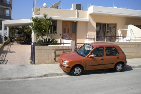 Three bedroom detached house in Panthea
