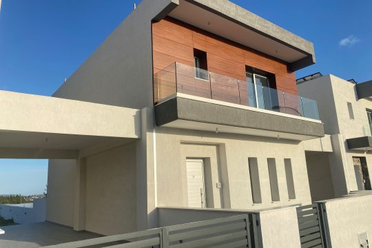 BRAND NEW 3 BEDROOM HOME WITH SWIMMING POOL IN PAREKKLISIA!
