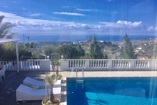 Super luxury villa with breathtaking sea & mountain views in Limassol – RENT