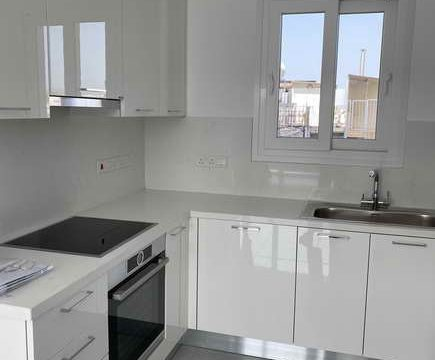 2 bedroom modern apartment for long term rent in  Mesa Geitonia