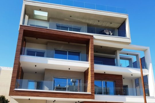 Brand new 2 bedroom apartment in a luxury contemporary building