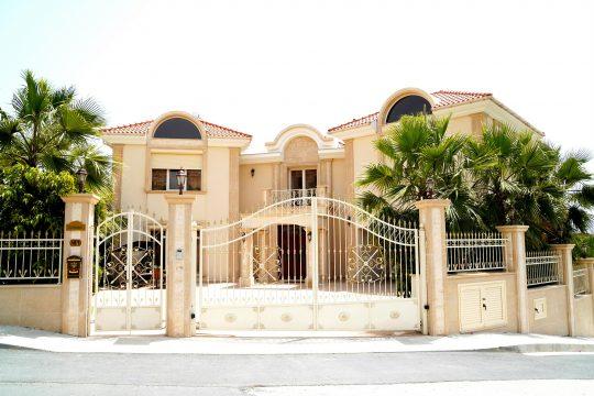 Impressive 5 bedroom villa in Agios Tychonas in Limassol