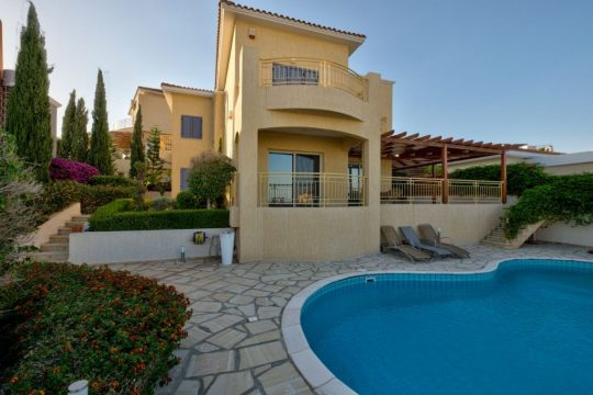 4 bedroom house with sea view in Germasogeia
