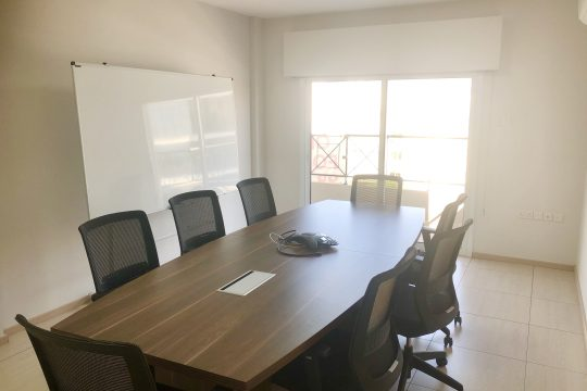 Modern furnished office for rent in Mesa Geitonia