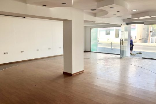 Spacious Shop/offices for rent near Makariou