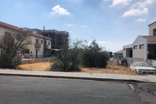 Продается участок (749 кв.м) в тихом жилом районе недалеко от центра села Ипсонас.